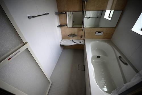 100浴室_R.JPG