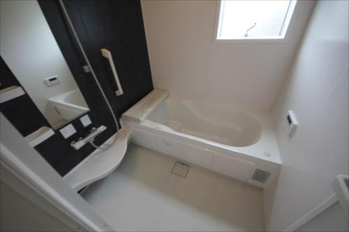 32532浴室.JPG