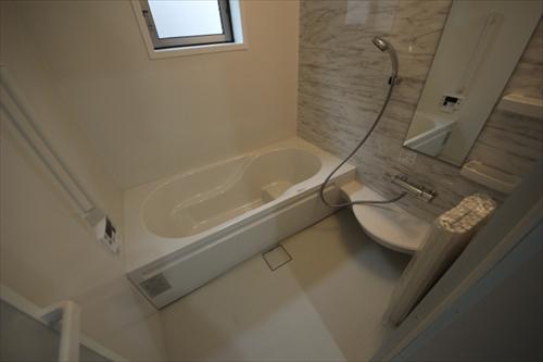 32637浴室.JPG
