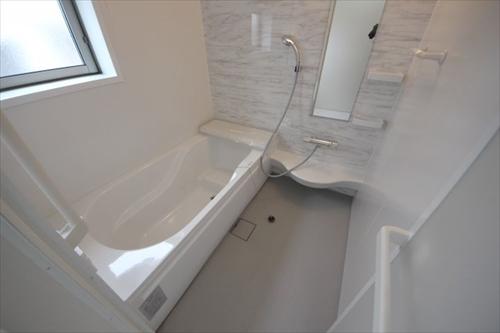 32692浴室2.JPG