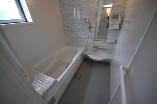 32773浴室.JPG